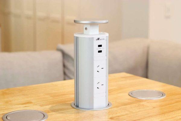 V6: Image 2x Outlets + USB